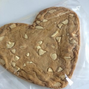 white giant heart cookie4